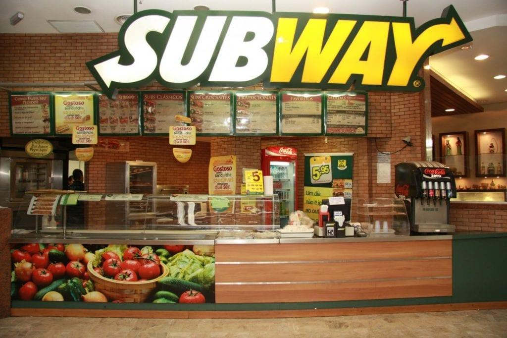 Subway в 2017 году закрыла в США более 900 ресторанов