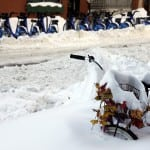 308955CC00000578-3414325-A_snow_covered_bicycle_is_stuck_in_a_snow_bank_on_the_the_Lower_-a-40_1453700440196