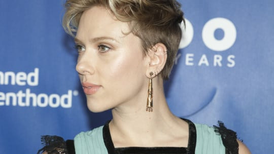 The Pr Lessons Behind Scarlett Johansson S Social Media Trouble