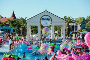Unique Vacations, Inc. Beaches Resorts' Social Media on the Sand Conference