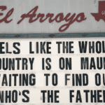 El Arroyo signs